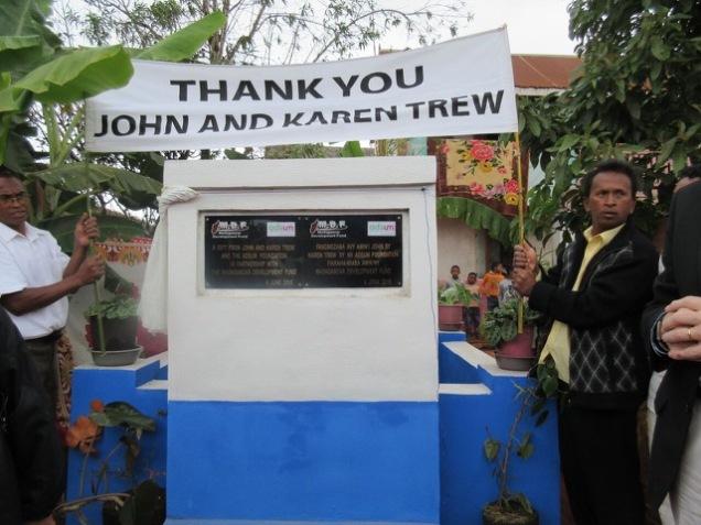 Thank banner & plaque John & Karen